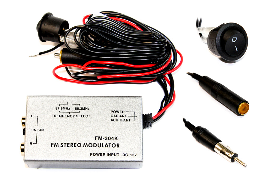 Universal FM modulator interface for aux in
